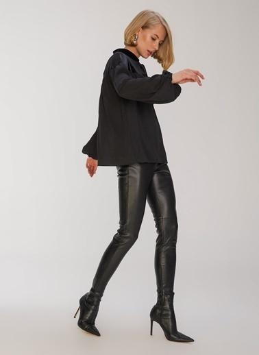 People By Fabrika Kadife Detaylı Bluz Siyah